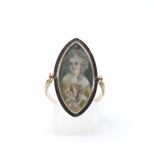 XVIIIe SIÈCLE  Bague marquise pivotante en or 750/1000e émaillé, ornée de deux m…