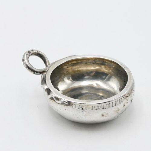 FRANCE XVIIIe SIÈCLE  Taste vin en argent uni, la prise en forme de serpent, gra…