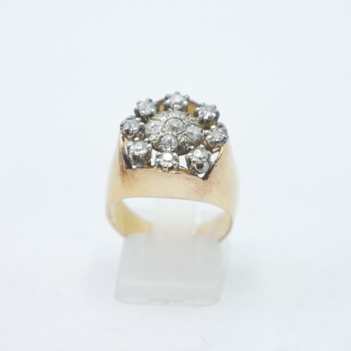 FRANCE Late 19th Early 20th century  Gold ring set with 13 small diamonds, openw…