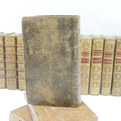 FRANCE XVIIIe SIÈCLE  Ensemble de 30 volumes (Histoire) :   Charles ROLLIN, Hist…