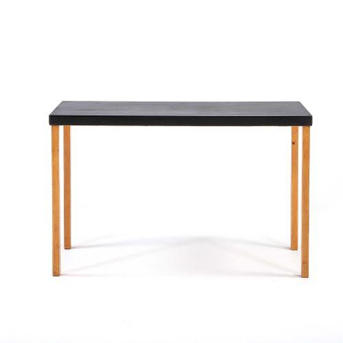 Alvar AALTO (1898 1976)  Table called straight leg Birch 71.5 x 115 x 70.5 cm. A…