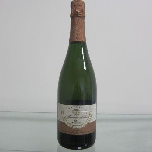 Champagne, Françoise Bedel, Cuvée Dis Vin Secret, étiquette correcte, haute épau…