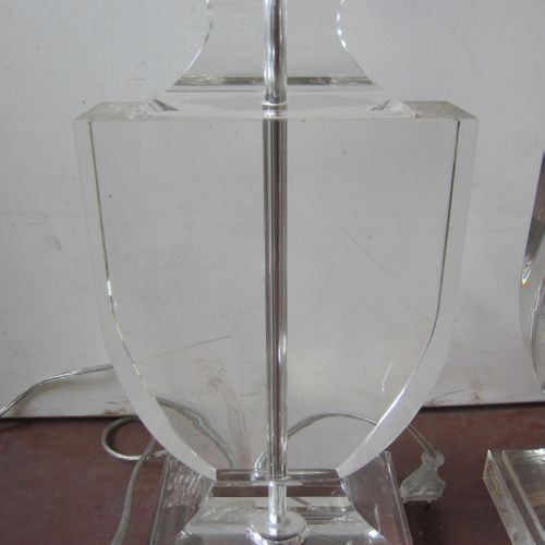 Paire de lampes en cristal, hauteur 50cm largeur 20cm, très bon état