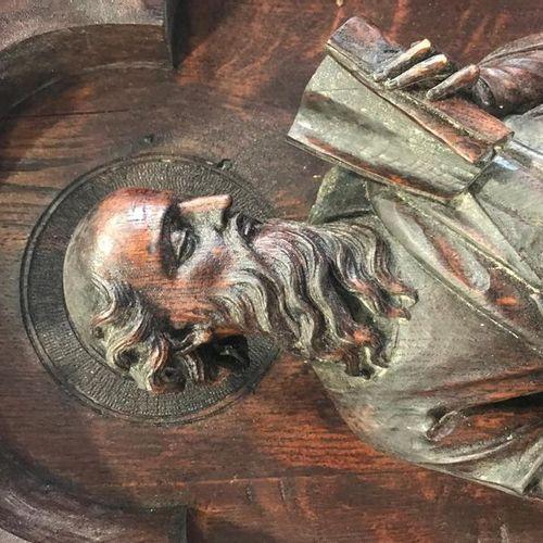 Panneaux sculptés en chêne (élèments de chaire) Le Christ et les 4 Évangélistes …