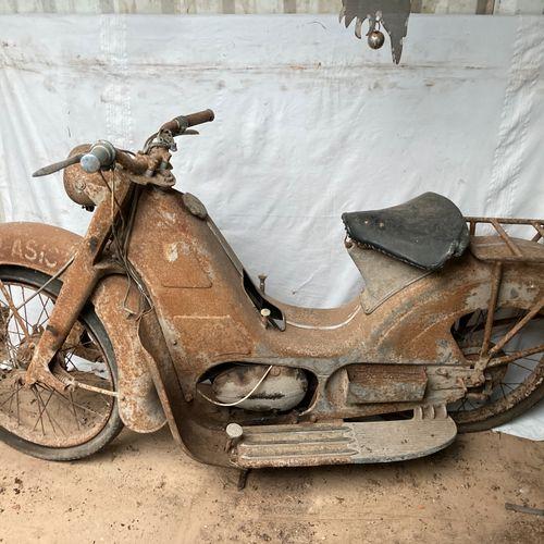 MONET GYON Rare scooter suspension Grégoire. A restaurer.