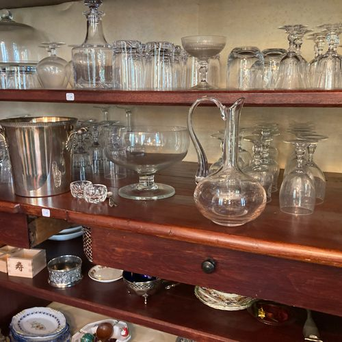 Contents of the 4th, 5th and 6th shelves: pair of Saint Louis crystal salerons, …