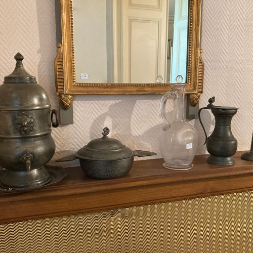 Lot of four pieces including: a blown glass carafe, a pewter bowl, a fountain an…
