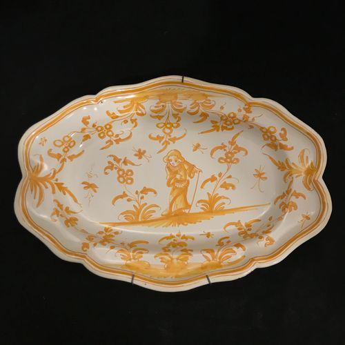 TOULOUSE TOULOUSE, earthenware in the taste of the 18th century. Oval dish with …
