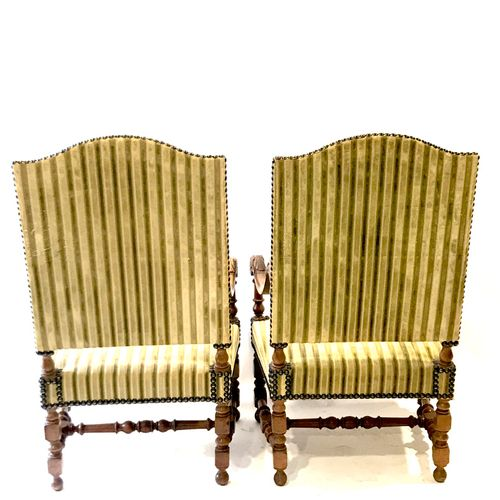 (26) Pair of armchairs in the Louis XIV style, scrolled armrest. Spacer in H. He…