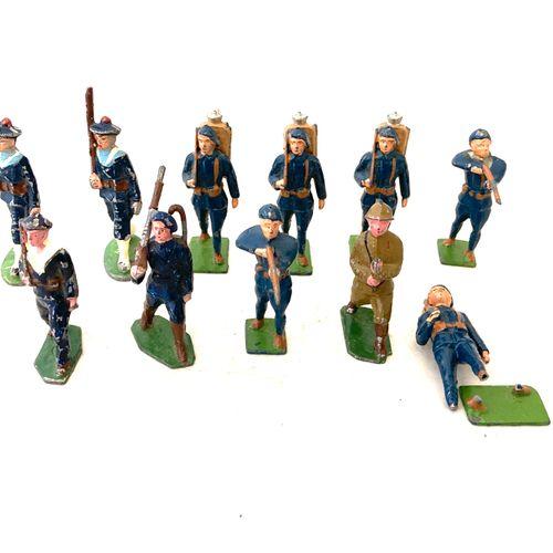 Soldats de plomb ou métal, polychromes : Armée française : troupier de 1940, mat…