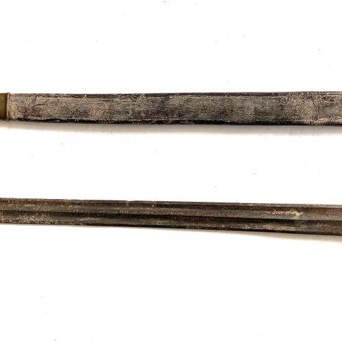 Couteau de vénerie, lame de 55 cm, à double gorge, poinçonnée et signée au talon…
