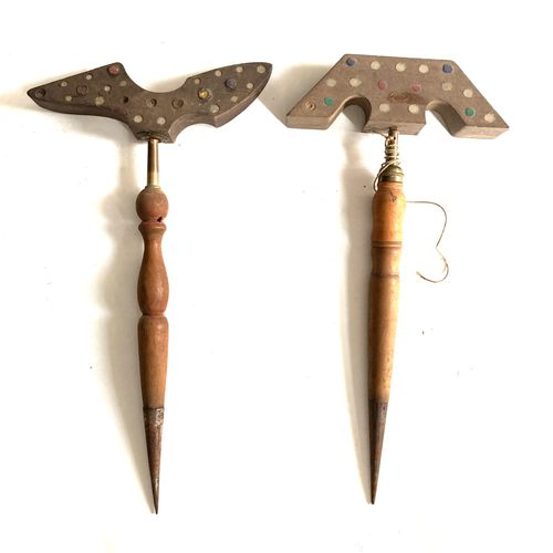 Miroir aux alouettes, tète asymétrique 27 cm à 48 glaçillons, pied bois et métal…