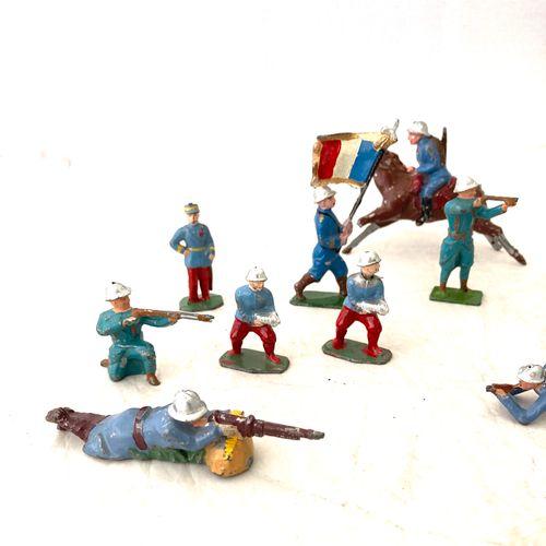 Soldats de plomb ou métal, polychromes : Armée française : guerre de 14, poilus …