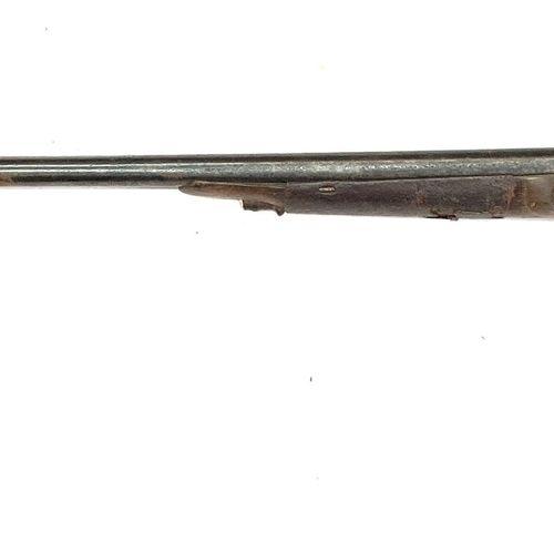 Fusil de chasse à silex transformé percussion, canons en table de 91 cm, pontet …