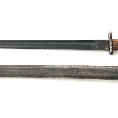 Baïonnette Mauser « export » modèle 1924 ; lame de 38,5 cm, plaquettes bois, pom…
