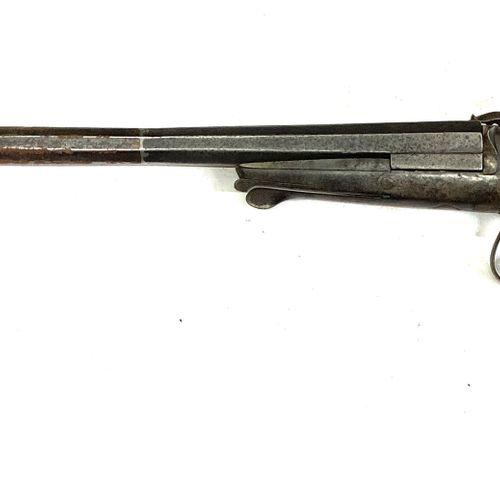 Fusil mono coup pliant à broche, canons de 74 cm calibre 12, ouverture par clef …