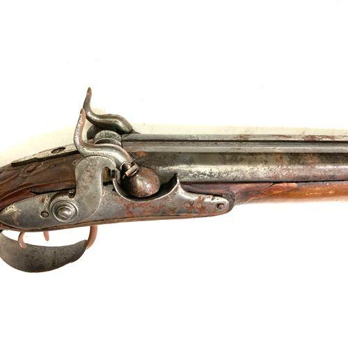 Fusil de chasse à silex transformé percussion, canon en table de 94 cm, garnitur…