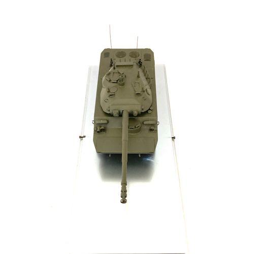 AMX 10 RC, maquette d'exposition tout en métal du véhicule blindé de l'armée fra…