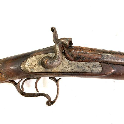 Fusil de chasse à percussion, canons en table de 82,5 cm, pontet volute, crosse …