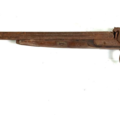 Fusil de chasse à percussion, canons en table de 74 cm, pontet volute, crosse an…