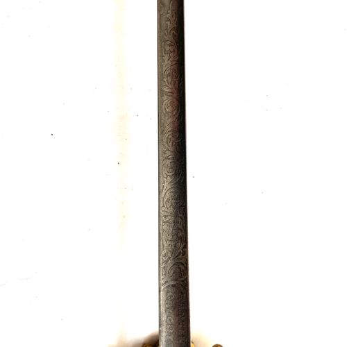 Épée d'ambassadeur ou de diplomate, monture laiton doré, à une branche et pommea…
