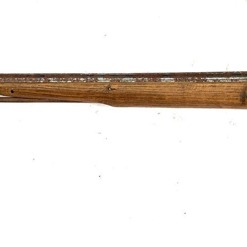 Fusil de chasse mono canon, issu d'un fusil réglementaire, platine à silex de 16…