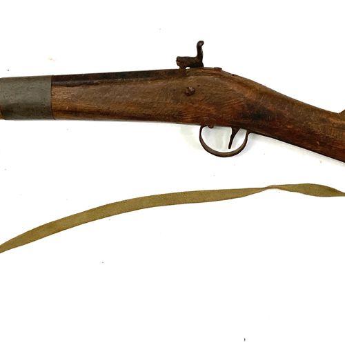 "Fusil de chasse mono canon à percussion dit ""Bou Bou"", platine à percussion,cano…"