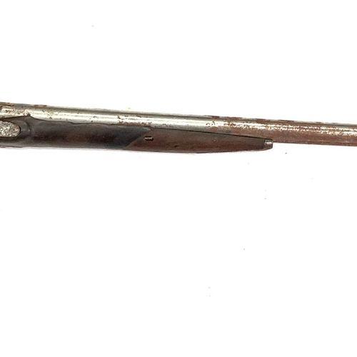 Fusil de chasse à silex transformé percussion, canons en table de 81 cm, pontet …