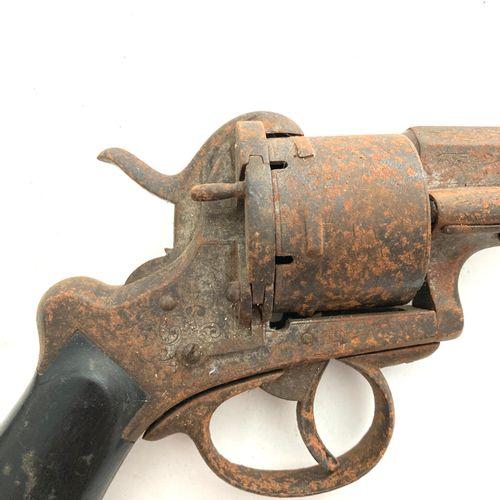 Important revolver à broche LEFAUCHEUX, modèle pour officier, calibre 12 mm, can…