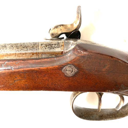 Carabine à percussion, canon octogonal damas de 77 cm calibre 11 mm, signé sur l…