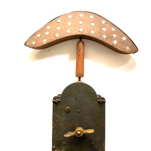 Miroir aux alouettes, tète chapeau de gendarme 24 cm à 50 glaçillons, modèle méc…