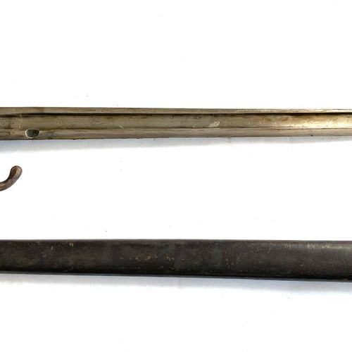 Baïonnette modèle 1892, premier type, lame de 39,5 cm, quillon matriculé BD49845…