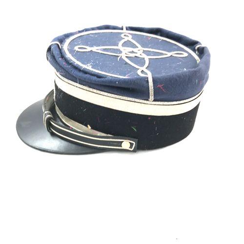 Képi de gendarmerie, IIIe République, visière en cuir, tissu bleu et passementer…