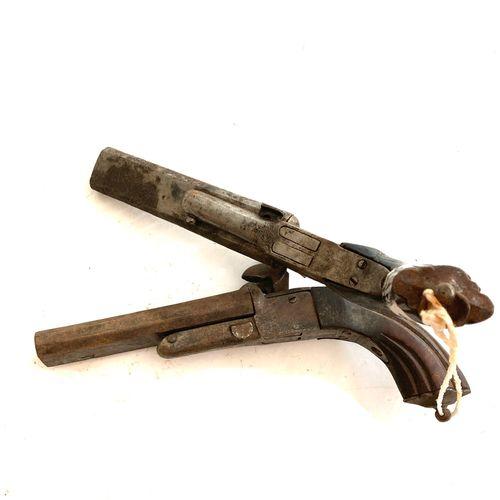 Pistolet à broche à canon double, ouverture par poussoir latéral, détentes escam…