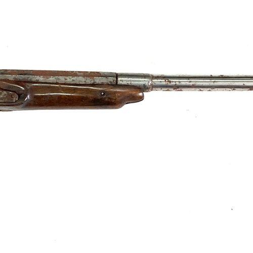 Fusil mono canon à système dit « de braconnier », platine à silex transformée pe…