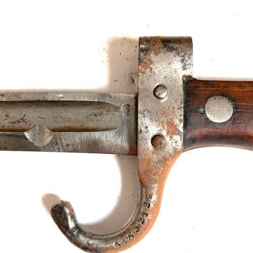 Baïonnette modèle 1892, premier type, lame poinçonnée de 39,8 cm, croisière à qu…