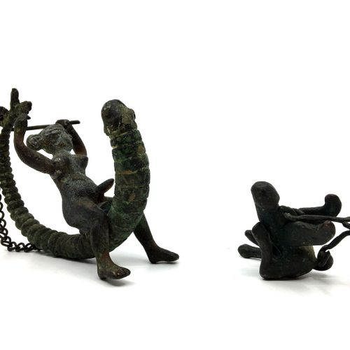 2 PENDANTS. Bronzes, imitation of the Ancient. Heights 11 and 4 cm.