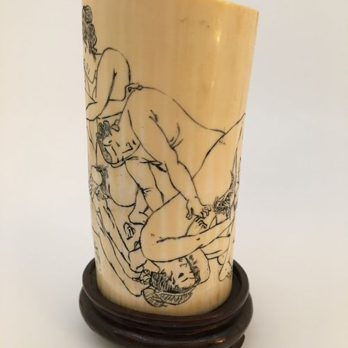 JAPAN. Orgies, 20th century. Sculpture on ivory or ivorite, height : the piece, …