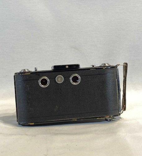 Antique camera in WIRGIN condition + leather case