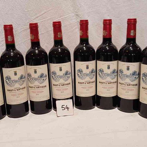 11 bouteilles château HAUT LARTIGUE PESSAC LEOGNAN 2015. Présentation parfaite.