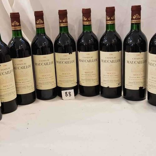 12 bouteilles château MAUCAILLOU 1986 MOULIS Belle présentation pour 6 et 6 étiq…