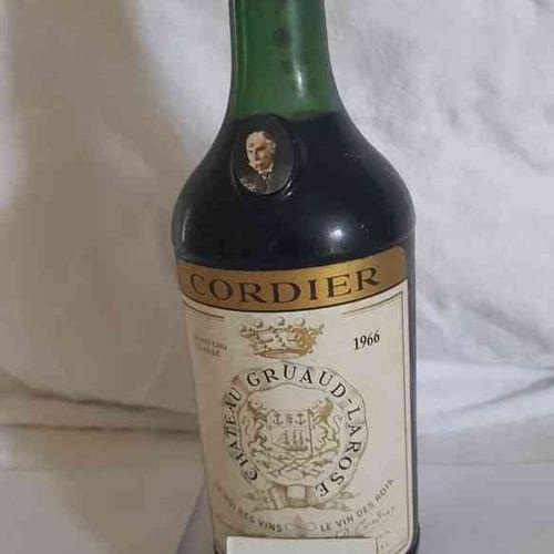 1 Bouteille château GRUAUD LAROSE 1966 GCC SAINT JULIEN . Belle étiquette, bas g…