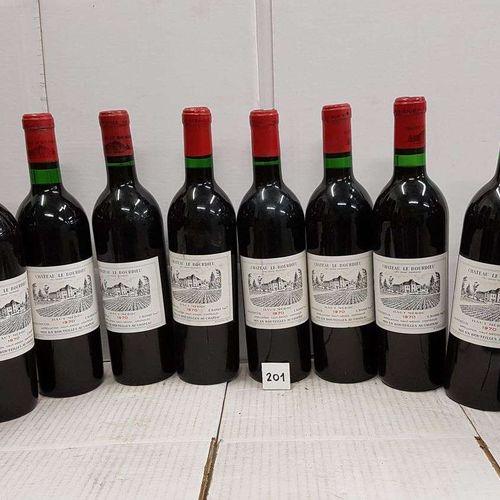12 bouteilles château LE BOURDIEU 1970 Haut Médoc. 1 étiquette tachée et bons ni…