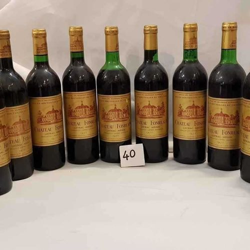 Lot de 12 Bt dont 3 bouteilles de 1970 et 9 bouteilles 1975 château FONREAUD LIS…