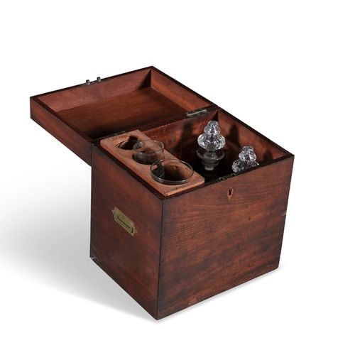AN GEORGE III MAHOGANY CELLARETTE BOX, of plain rectangular form, with inset bra…