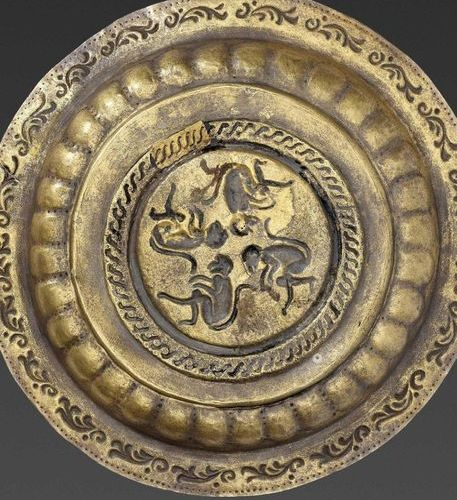 A CHAM GOLD REPOUSSÉ DISH WITH MONKEYS Champa, 12th 14th century. The dish execu…
