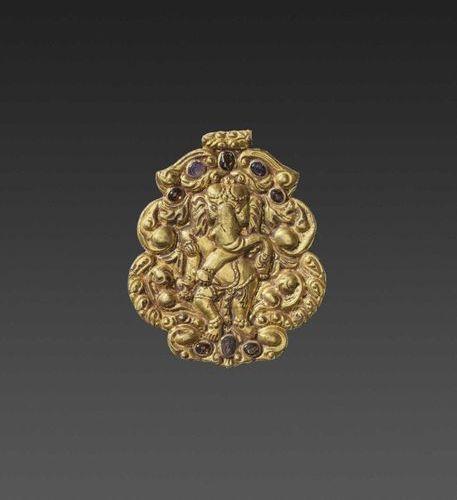 A CHAM GEMSTONE SET GOLD REPOUSSÉ PENDANT DEPICTING GANESHA DANCING Champa, 10th…