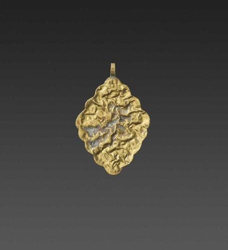 A CHAM GEMSTONE SET GOLD REPOUSSÉ PENDANT DEPICTING GANESHA Champa, 10th 12th ce…
