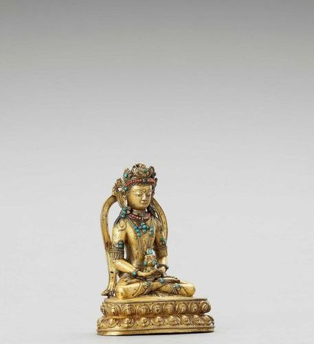 A SINO TIBETAN GILT BRONZE FIGURE OF AMITAYUS, QING Sino Tibetan, 1644 1912. Cas…