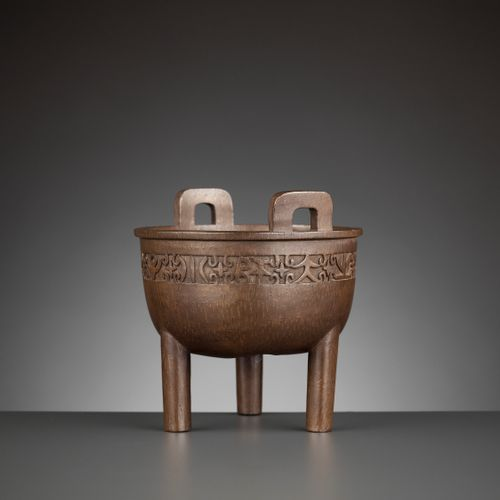 A SUPERB ARCHAISTIC DING CENSER BY KANO TESSAI, DATED 1914 Japan, Nara, possibly…